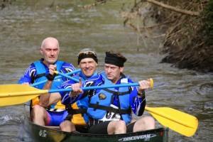 en canoe